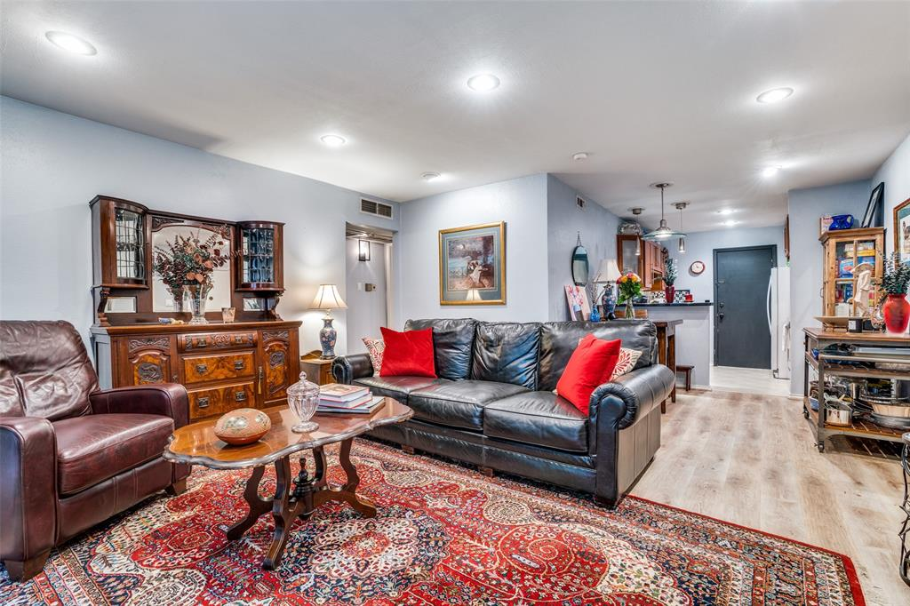 Off Market | 4203 Avondale Avenue #101 Dallas, Texas 75219 10