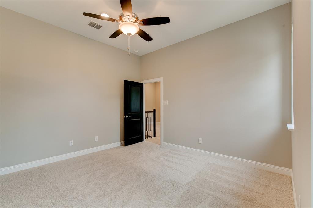 Active | 300 Nursery Lane #101 Fort Worth, Texas 76114 18
