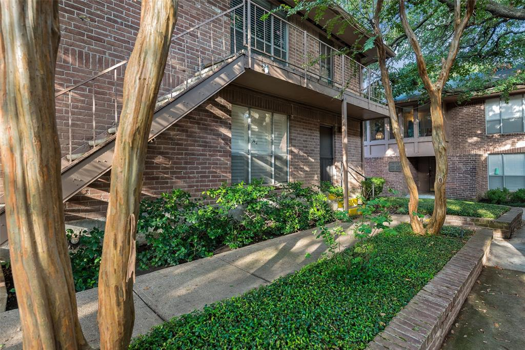 Active | 10566 High Hollows Drive #257 Dallas, Texas 75230 2