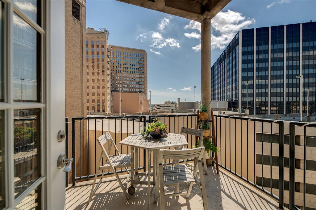 Active | 411 W 7th Street #802 Fort Worth, Texas 76102 13