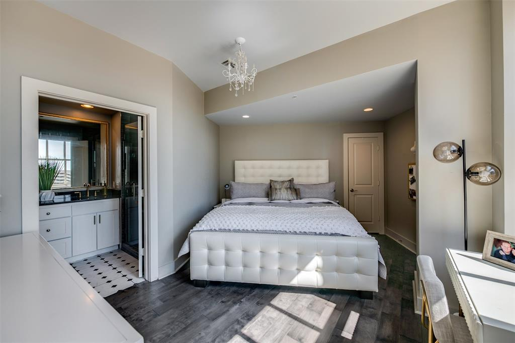 Active   411 W 7th Street #802 Fort Worth, Texas 76102 17