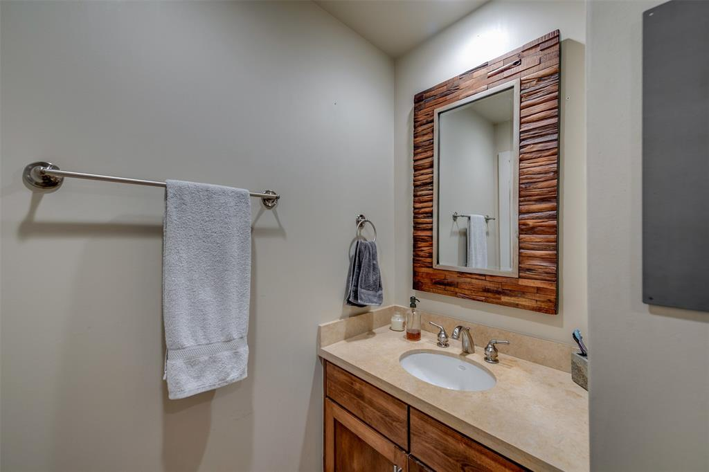 Active | 411 W 7th Street #802 Fort Worth, Texas 76102 22