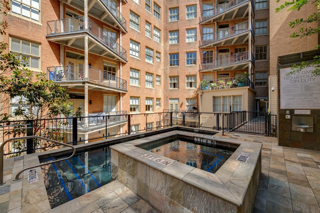Active   411 W 7th Street #802 Fort Worth, Texas 76102 23