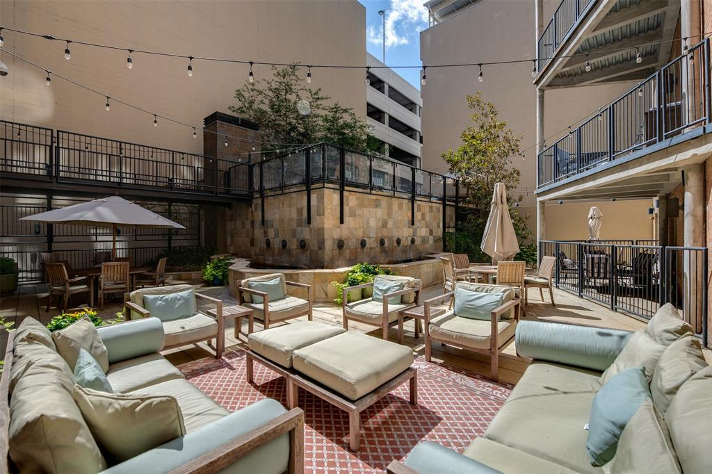 Active | 411 W 7th Street #802 Fort Worth, Texas 76102 27