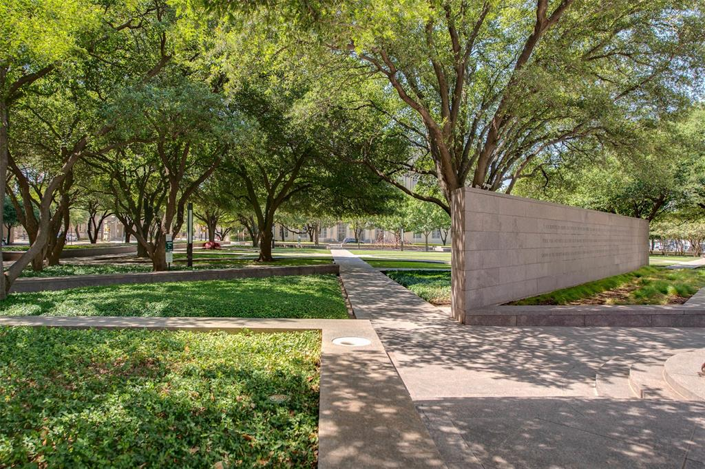 Active | 411 W 7th Street #802 Fort Worth, Texas 76102 32