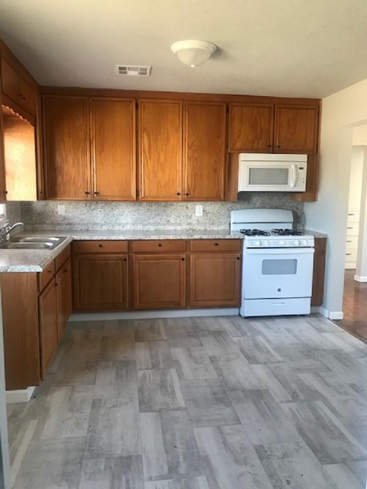 Sold Intraoffice W/MLS | 1025 Riviera Ponca City, OK 74601 3