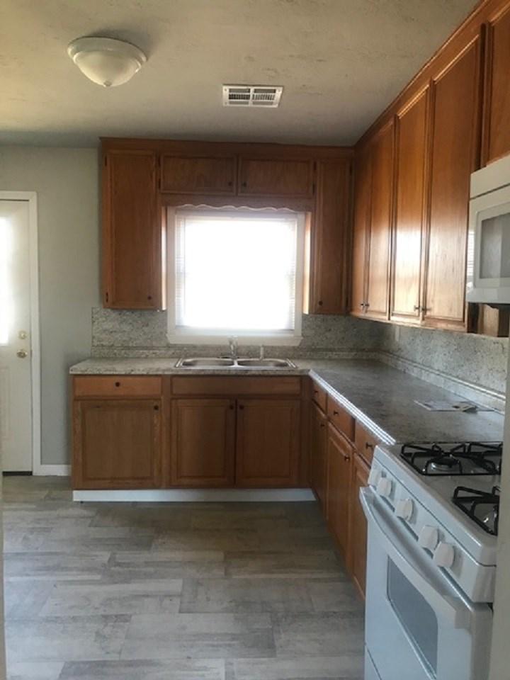 Sold Intraoffice W/MLS | 1025 Riviera Ponca City, OK 74601 5