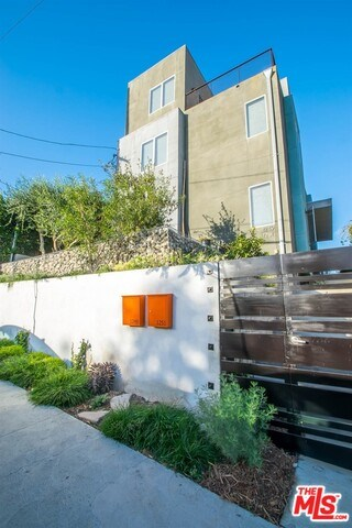 Closed | 1249 COLTON Street Los Angeles, CA 90026 4