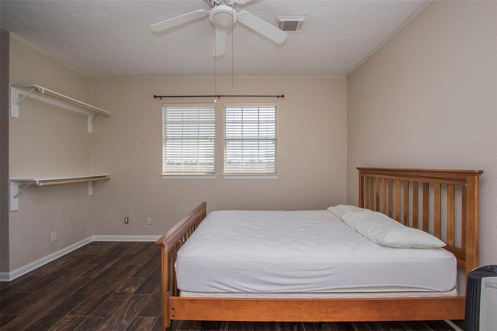 Off Market   17551 Mathis Road Waller, Texas 77484 33