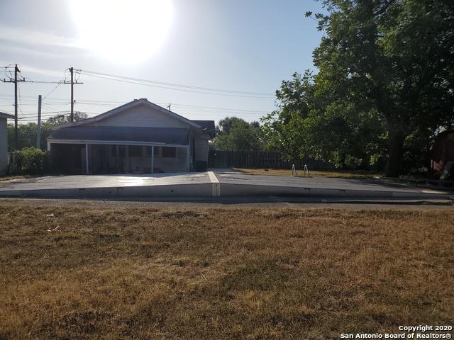 Active Option | 6925 S Flores St San Antonio, TX 78221 28