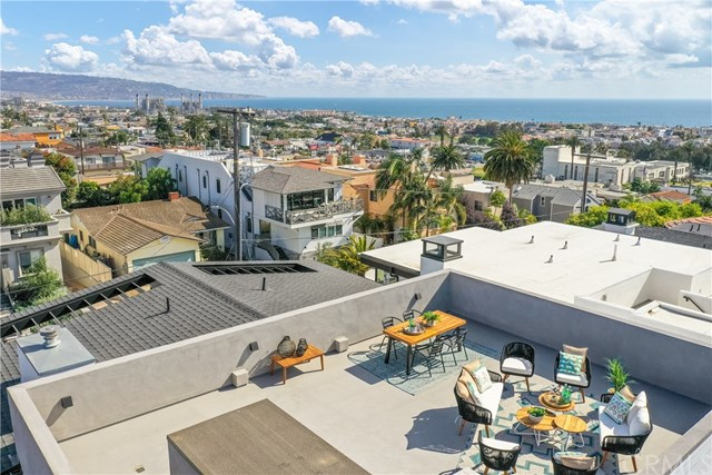 Closed | 945 15th St Hermosa Beach, CA 90254 6