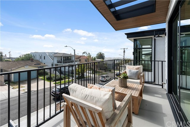 Closed | 945 15th St Hermosa Beach, CA 90254 42