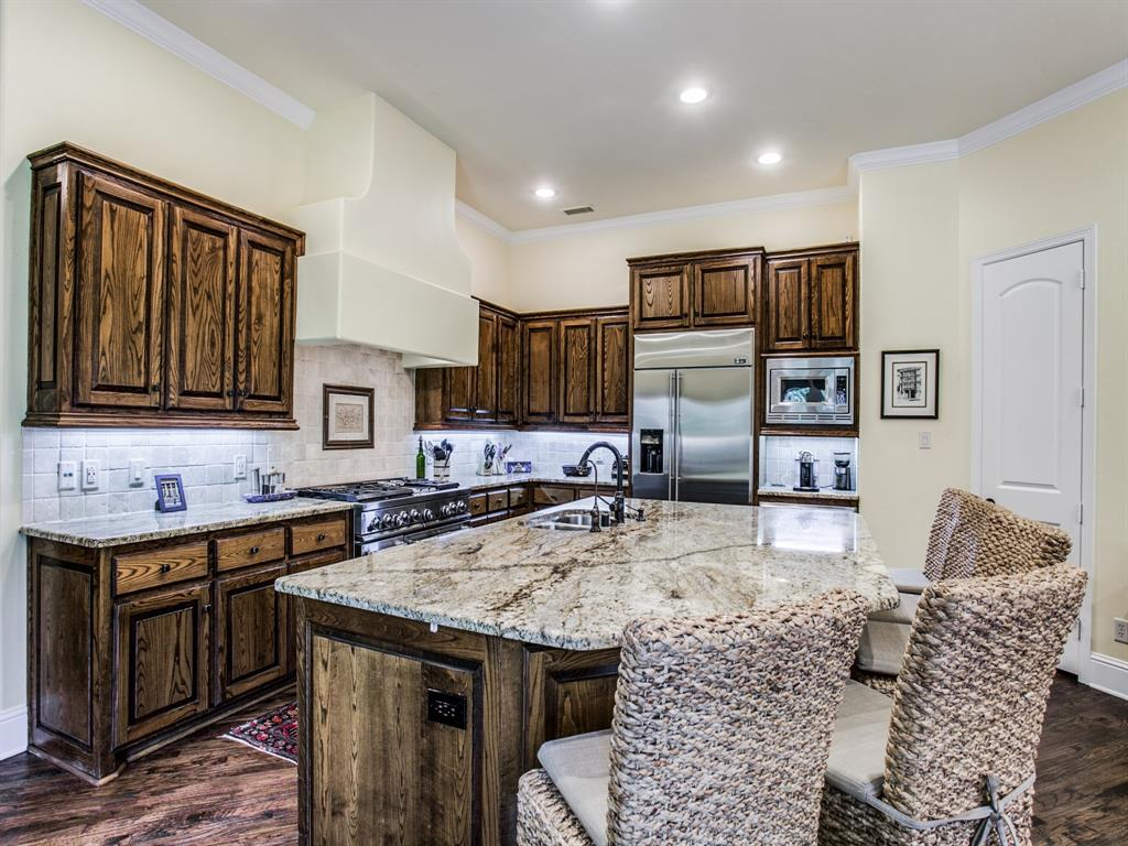 Active Option Contract   8401 Bluebonnet Road Dallas, Texas 75209 10