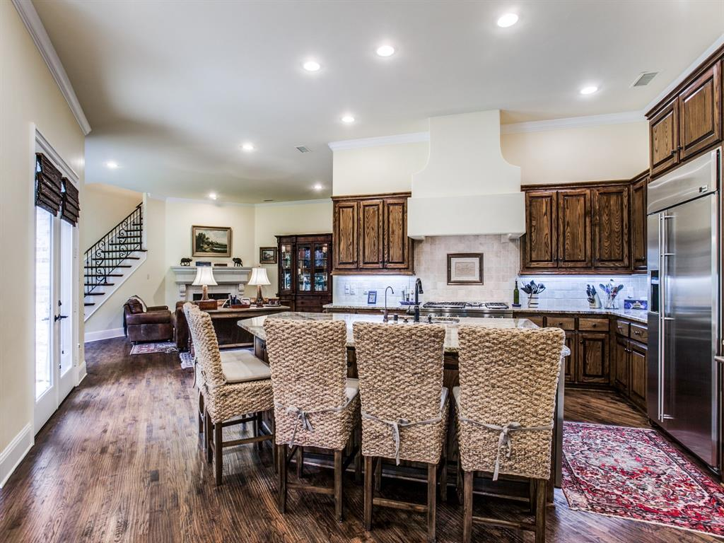 Active Option Contract   8401 Bluebonnet Road Dallas, Texas 75209 11