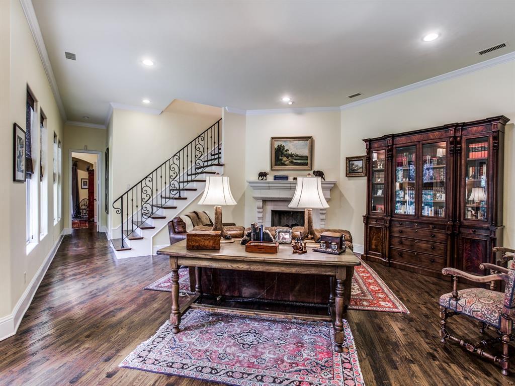 Active Option Contract   8401 Bluebonnet Road Dallas, Texas 75209 14