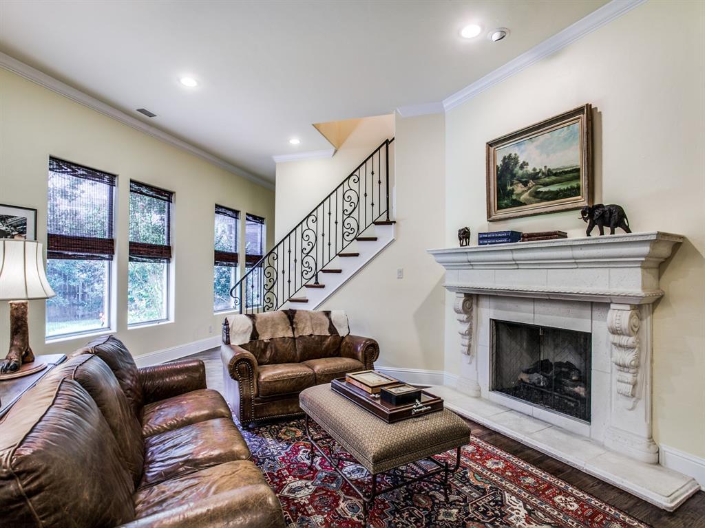 Active Option Contract   8401 Bluebonnet Road Dallas, Texas 75209 15
