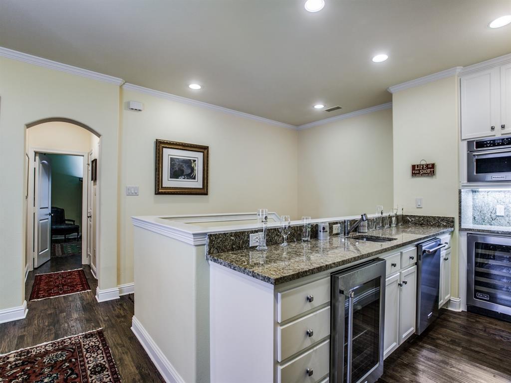 Active Option Contract   8401 Bluebonnet Road Dallas, Texas 75209 18