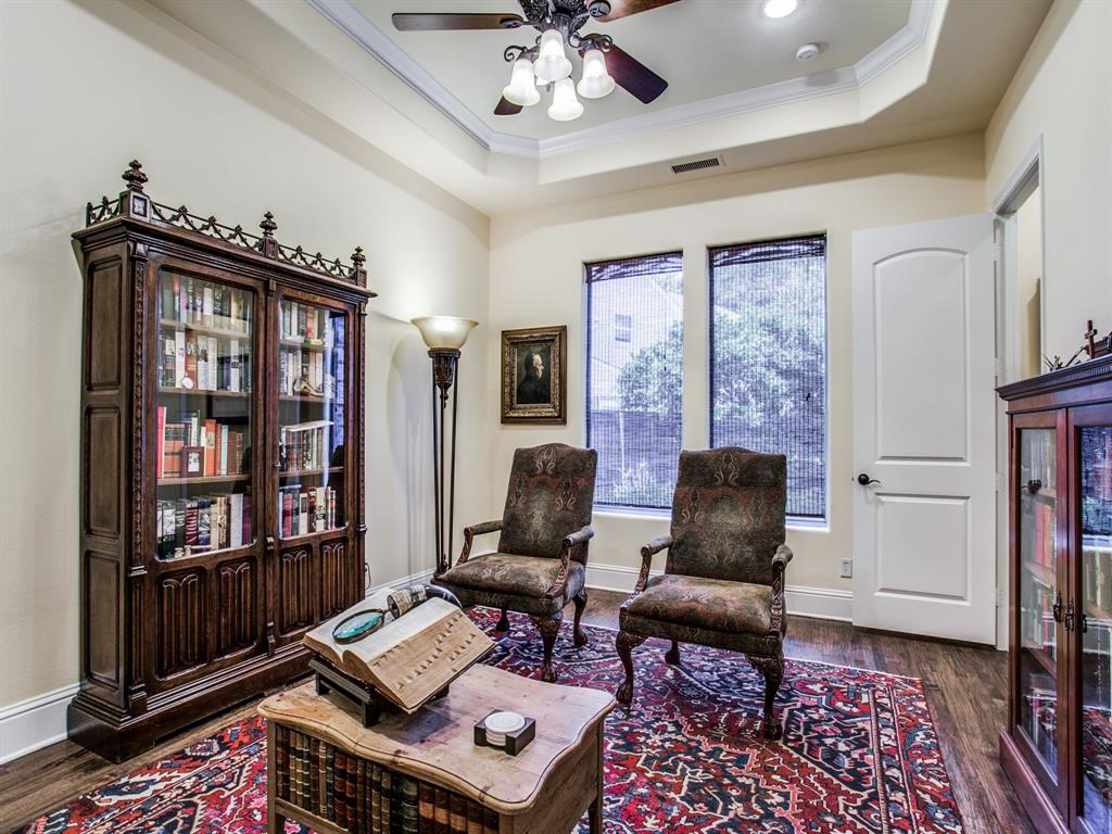 Active Option Contract   8401 Bluebonnet Road Dallas, Texas 75209 7
