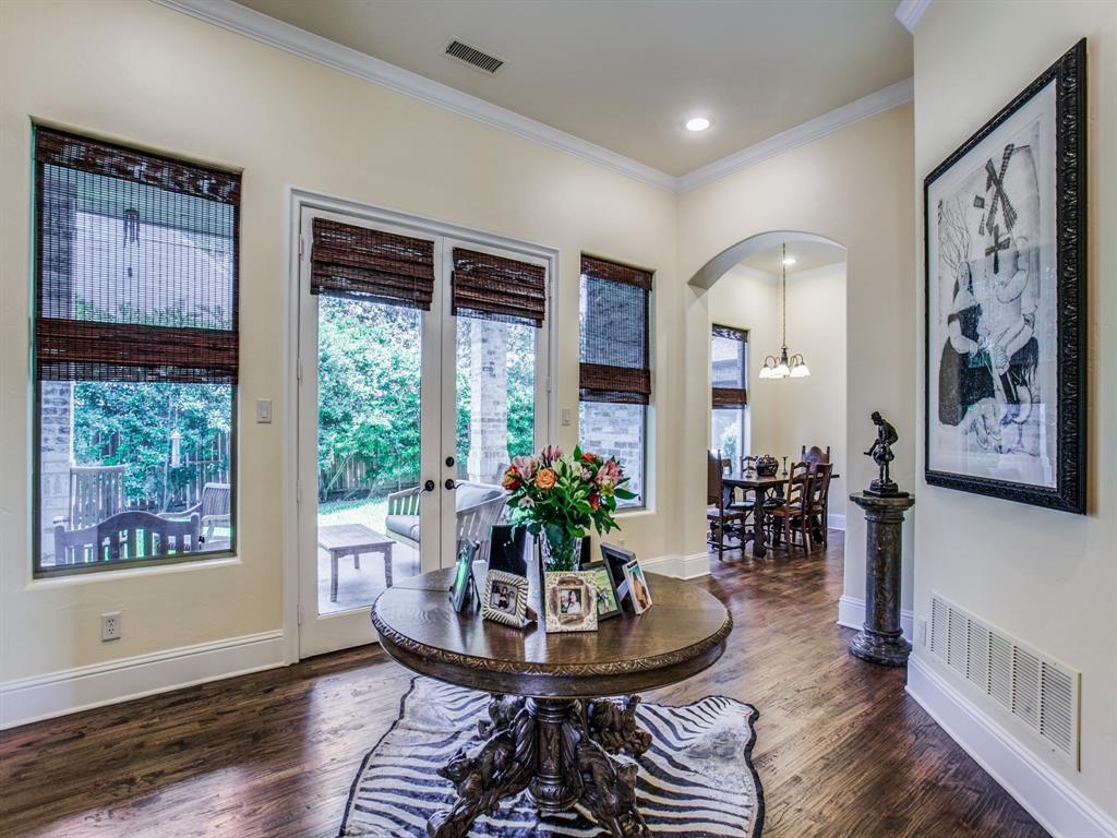 Active Option Contract   8401 Bluebonnet Road Dallas, Texas 75209 8