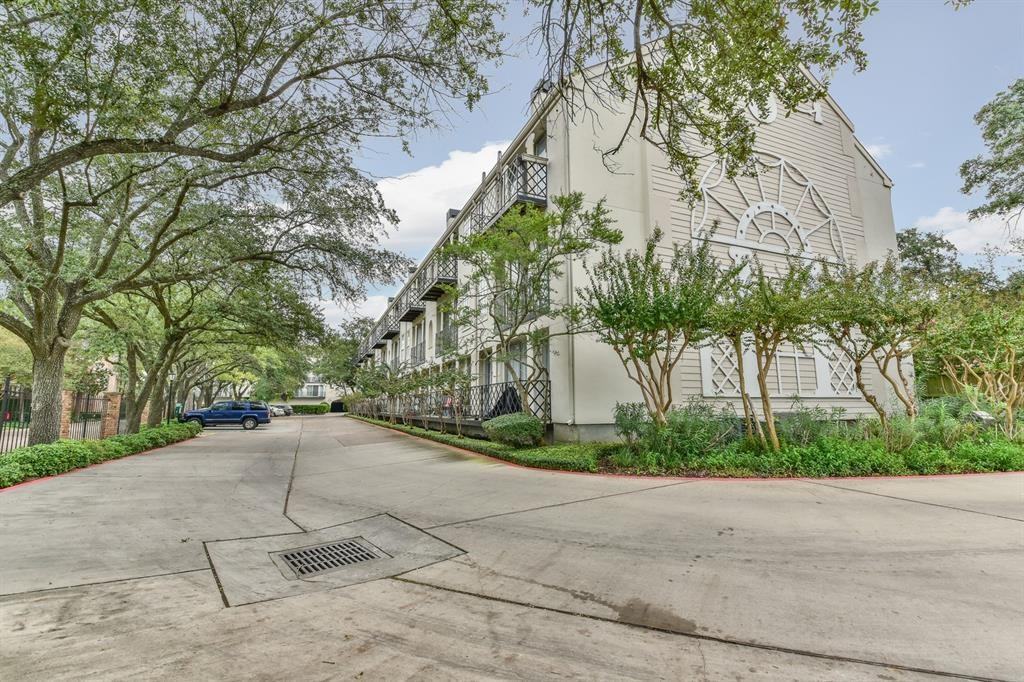 Off Market   2333 Bering Drive #130 Houston, Texas 77057 7
