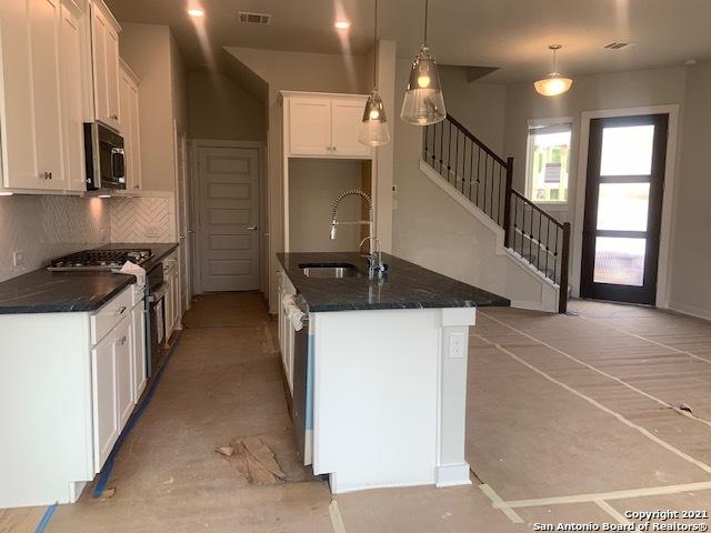 Active | 5843 Whitby Road  Residence #8 San Antonio, TX 78240 4