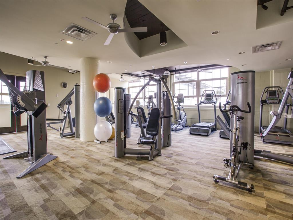 Active | 2600 W 7th Street #1421 Fort Worth, Texas 76107 35