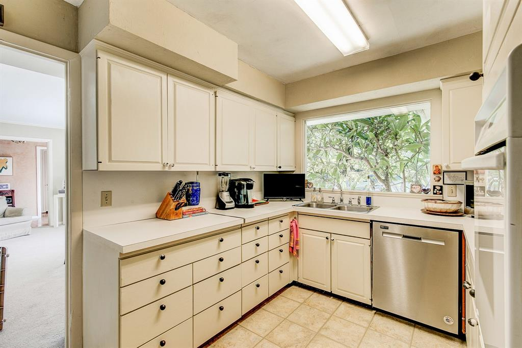 Active Contingent | 400 Hazelwood Drive Fort Worth, Texas 76107 13