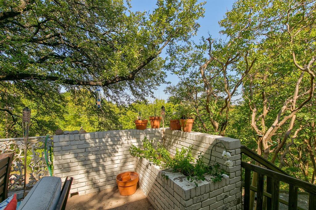 Active Contingent | 400 Hazelwood Drive Fort Worth, Texas 76107 23