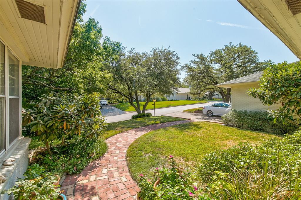 Active Contingent | 400 Hazelwood Drive Fort Worth, Texas 76107 3