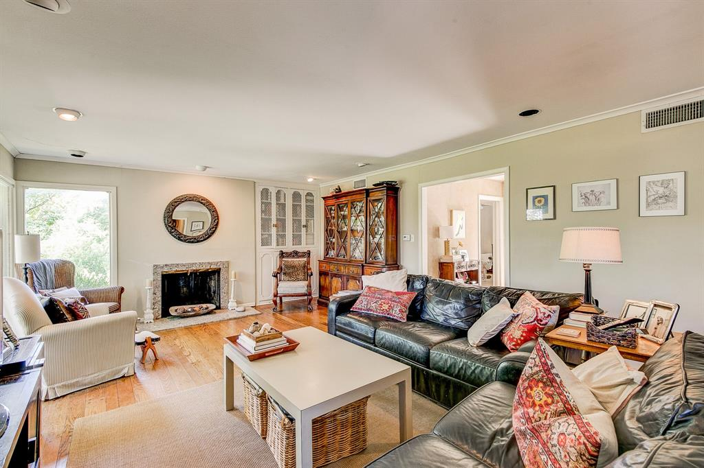 Active Contingent | 400 Hazelwood Drive Fort Worth, Texas 76107 7