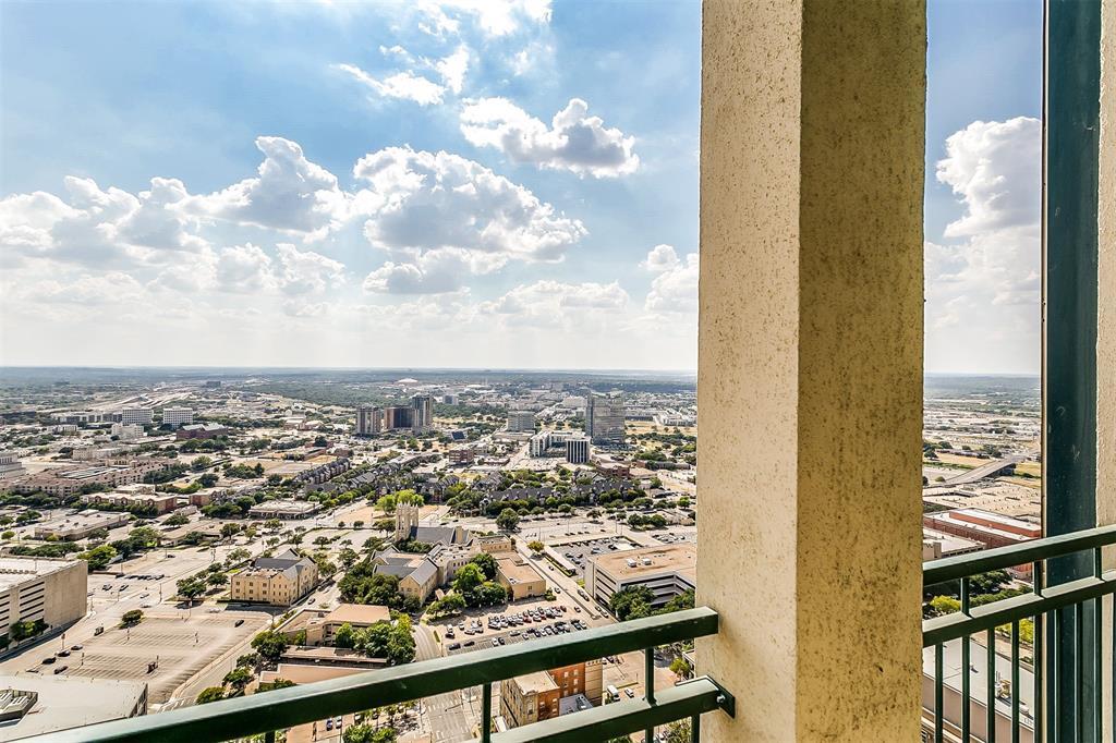 Active | 500 Throckmorton #3307 Fort Worth, Texas 76102 14