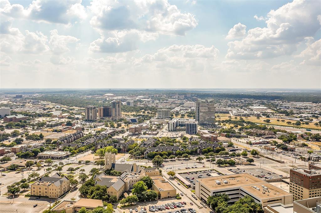 Active | 500 Throckmorton #3307 Fort Worth, Texas 76102 16