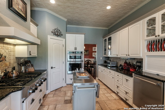 Pending | 209 Timber View Dr Boerne, TX 78006 12
