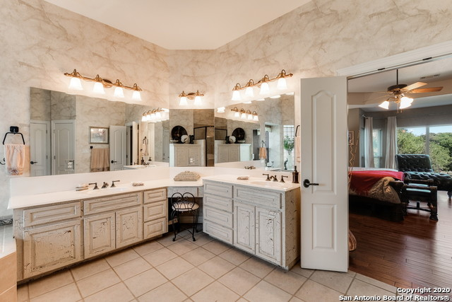 Pending | 209 Timber View Dr Boerne, TX 78006 15