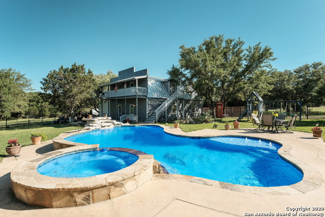Pending | 209 Timber View Dr Boerne, TX 78006 39