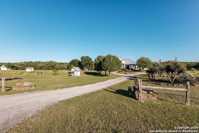 Pending | 209 Timber View Dr Boerne, TX 78006 5
