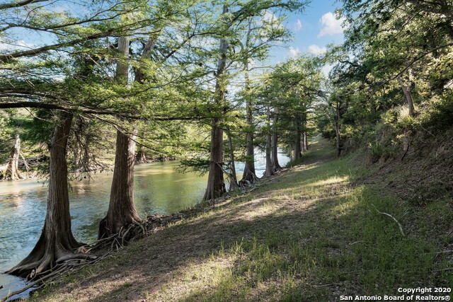 Pending | 209 Timber View Dr Boerne, TX 78006 55