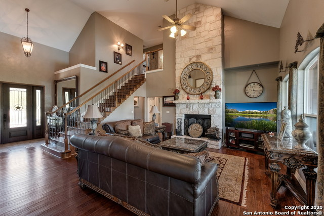 Pending | 209 Timber View Dr Boerne, TX 78006 8