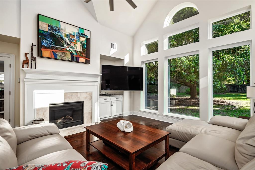 Active | 6 Forest Green Trail Kingwood, Texas 77339 16