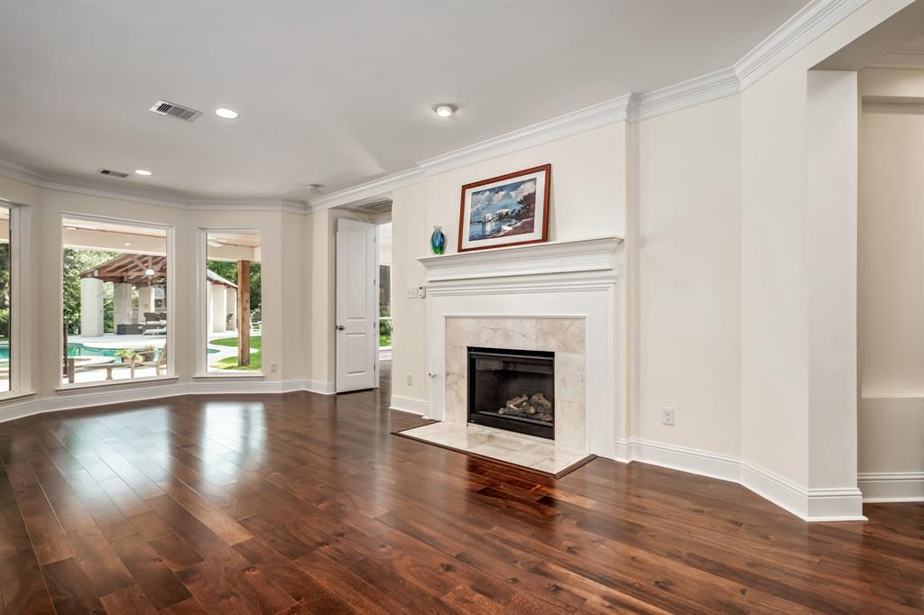 Active | 6 Forest Green Trail Kingwood, Texas 77339 7
