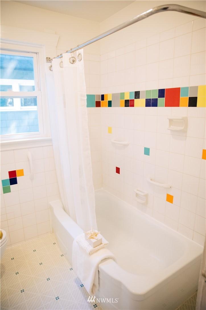 Sold Property | 1703 N 47th Street Seattle, WA 98103 18