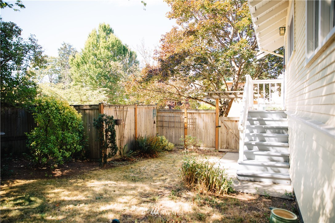 Sold Property | 1703 N 47th Street Seattle, WA 98103 28