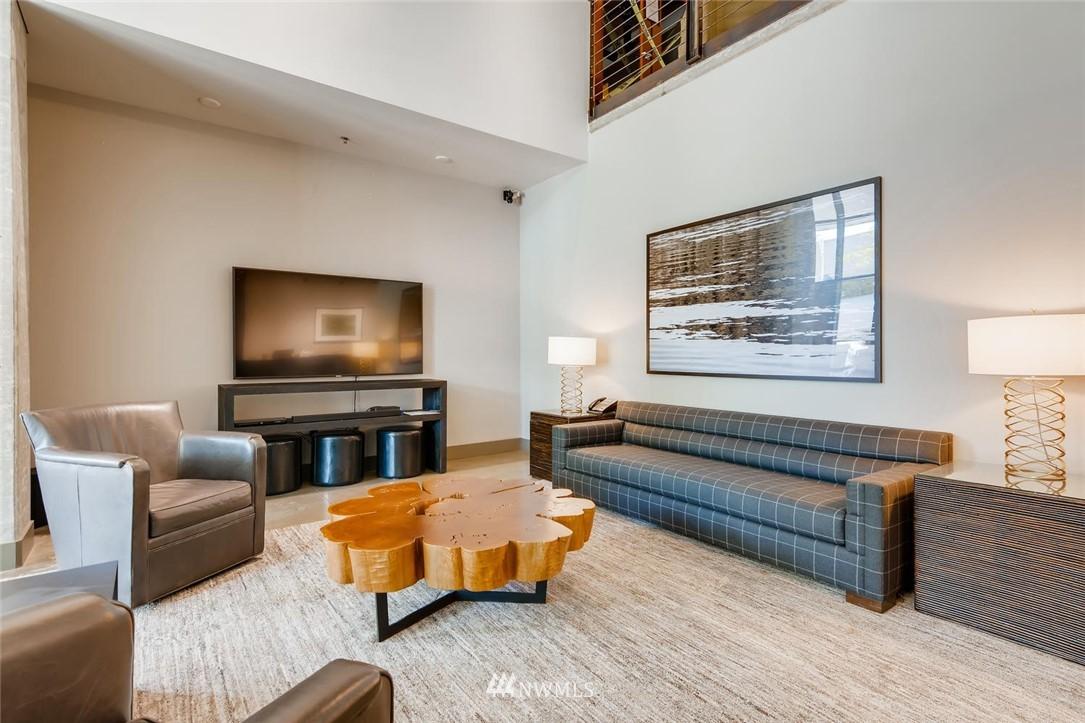 Sold Property | 2720 3rd Avenue #804 Seattle, WA 98121 13