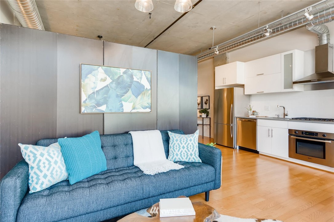 Sold Property | 2720 3rd Avenue #804 Seattle, WA 98121 7