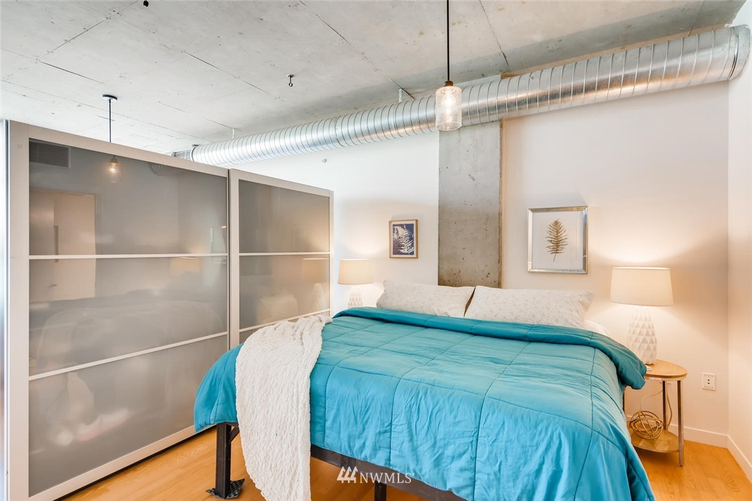 Sold Property | 2720 3rd Avenue #804 Seattle, WA 98121 9