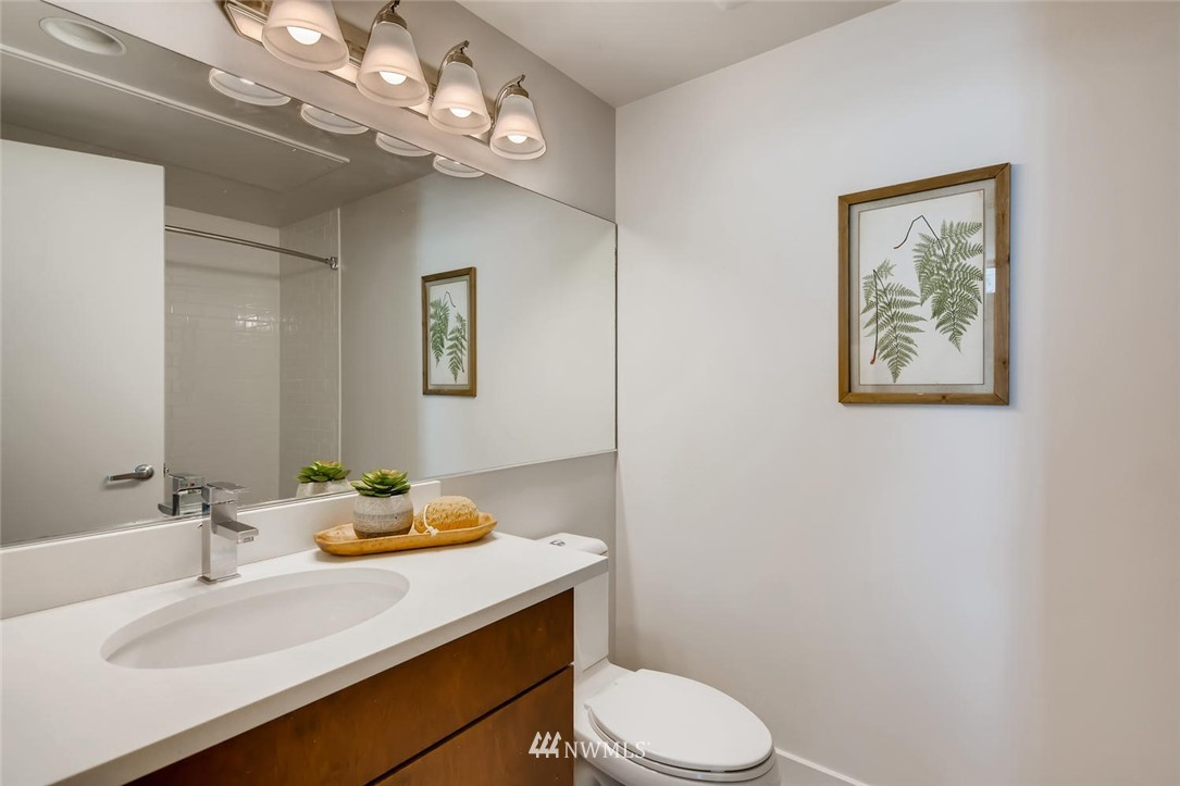 Sold Property | 2720 3rd Avenue #804 Seattle, WA 98121 10