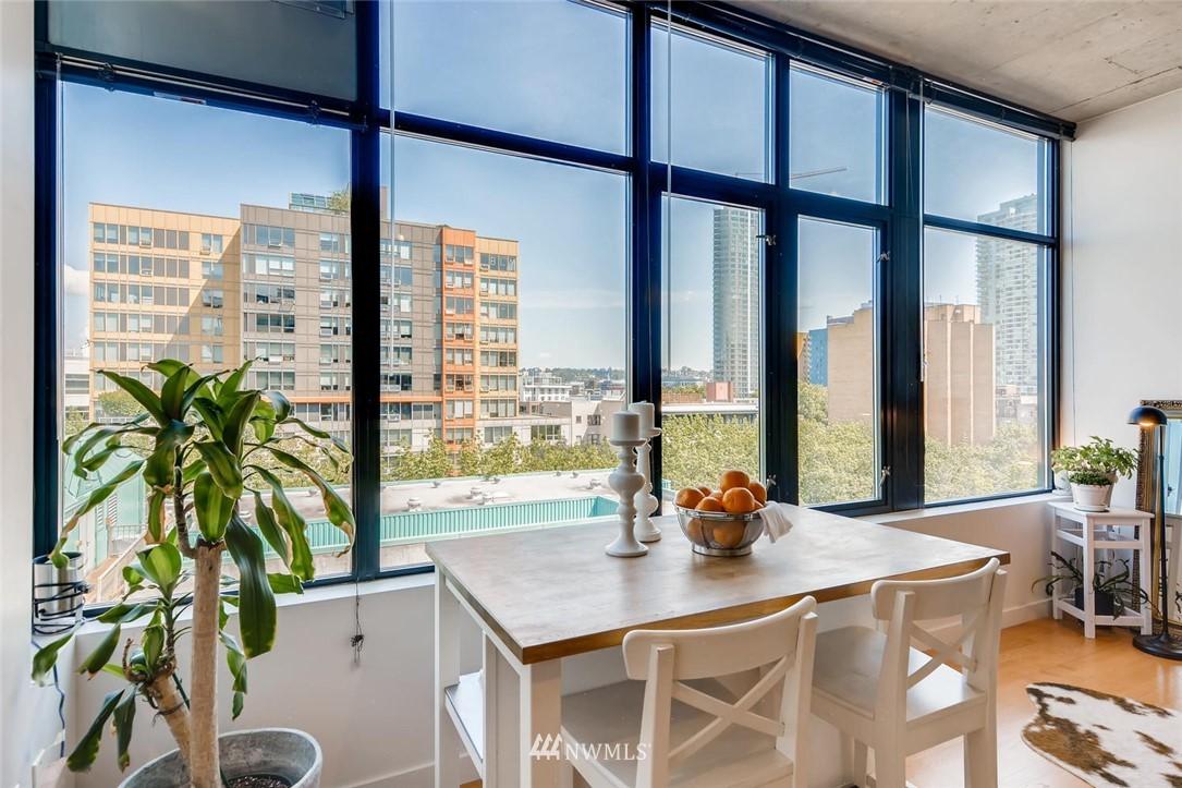Sold Property | 2720 3rd Avenue #804 Seattle, WA 98121 4