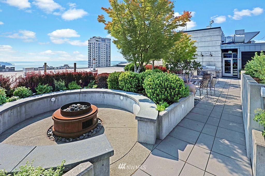 Sold Property | 2720 3rd Avenue #804 Seattle, WA 98121 15