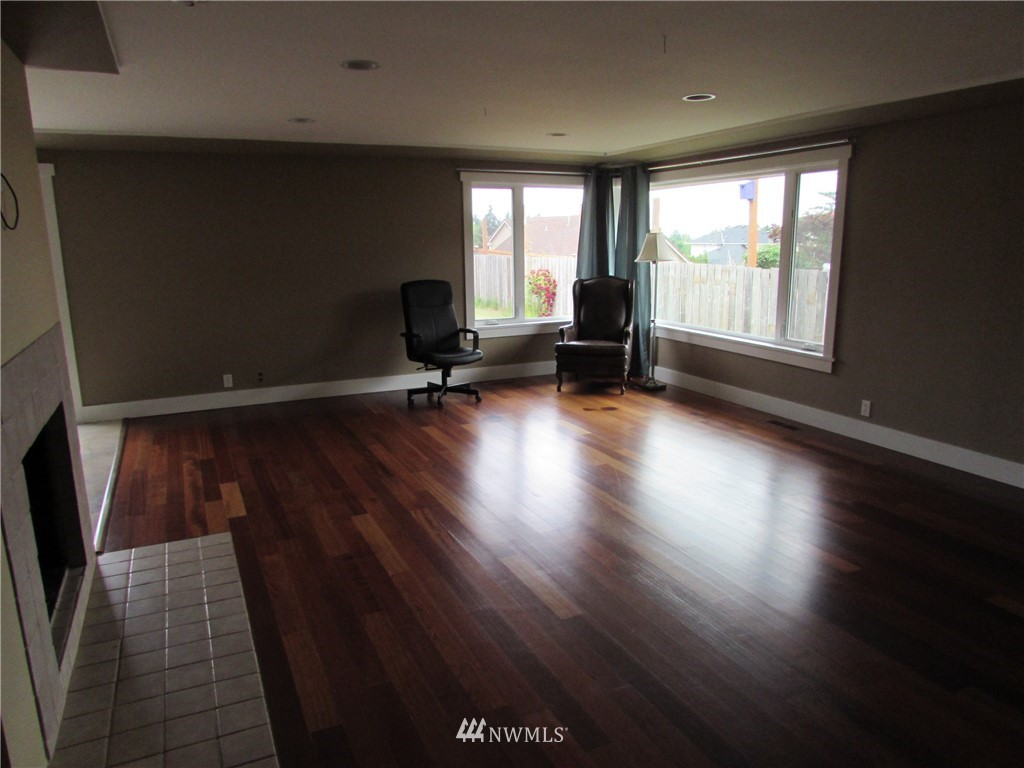 Sold Property   1102 Bridgeview Drive Tacoma, WA 98406 6