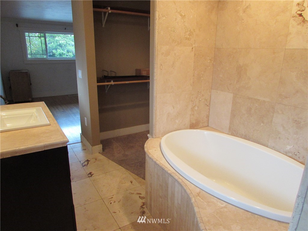 Sold Property   1102 Bridgeview Drive Tacoma, WA 98406 19
